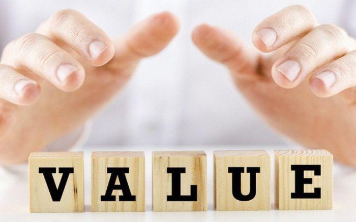 Tập trung vào giá trị tiền đề